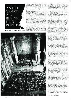 Antike Tempel als Bühne und Podium